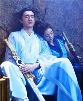 【更新至16集】 林更新偷送赵丽颖情侣剑图片